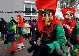 Karnevalsumzug in Deutschland 2018 Kartung
